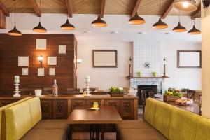 Italian restaurant with modern but cozy interior